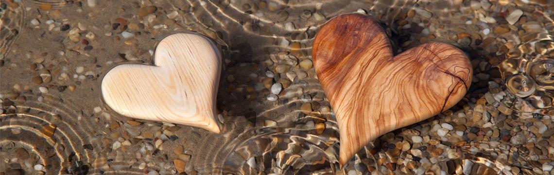 Zueinanderfinden wie 2 Herzen im Wasser